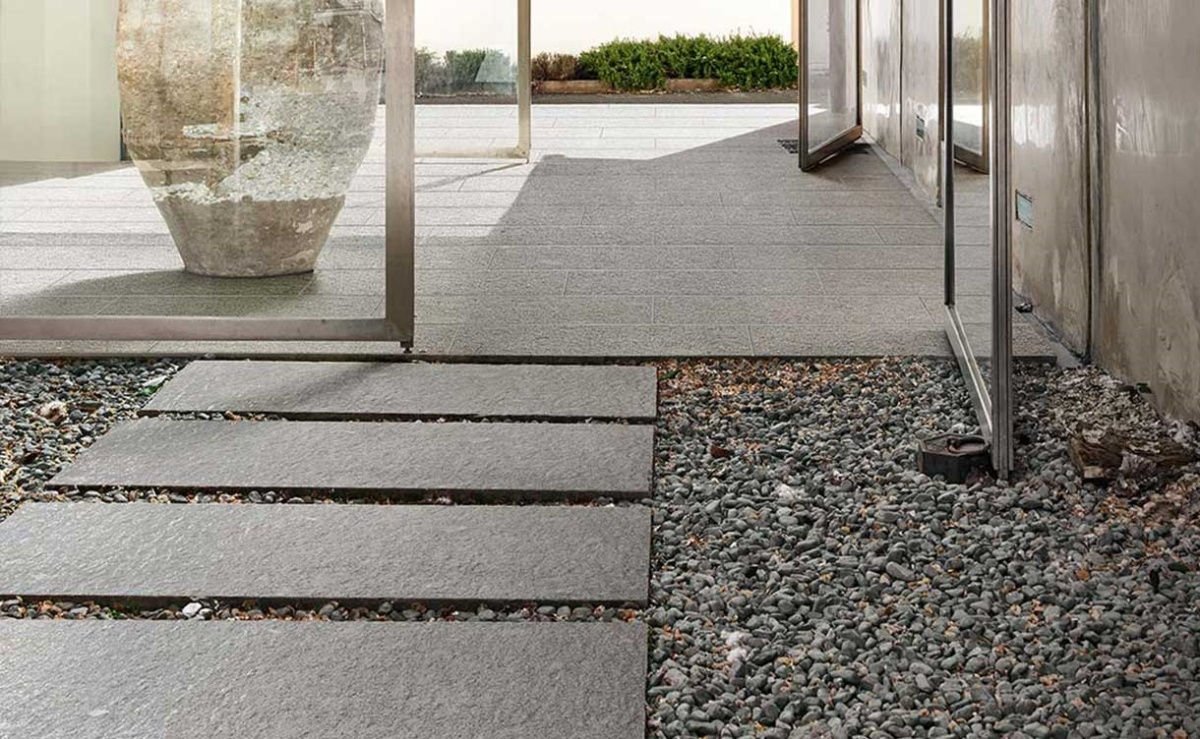 outdoor-porcelain-tile