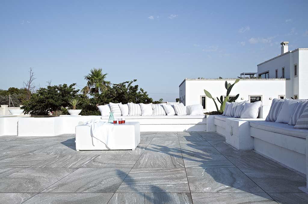 porcelain-tile-patio